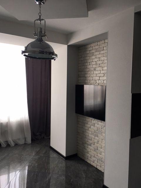 продажа трехкомнатной квартиры номер A-76570 в Приморском районе, фото номер 12